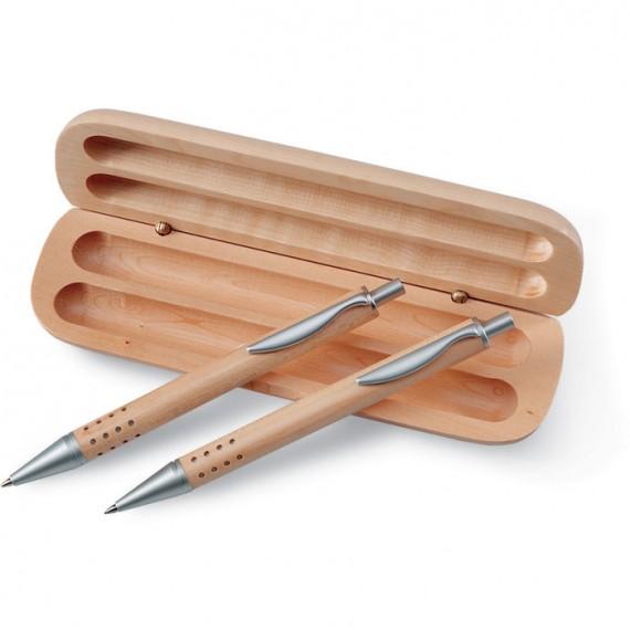 Σετ δώρου στυλό σε ξύλινο κουτί.