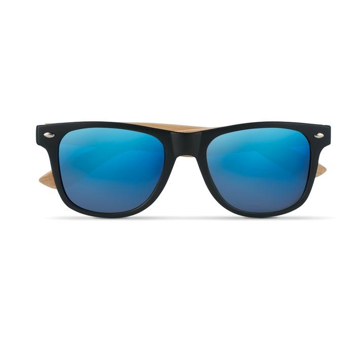 Γυαλιά ηλίου με μπαμπού βραχίονες.